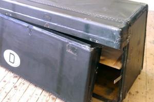 zu restaurierender Koffer für einen Rolls-Royce